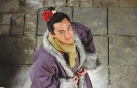 """新《水浒》未播先热遭""""口水"""" 网友狠批戴花西门庆"""
