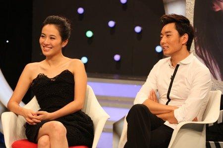 """著名女星叶璇和""""小生新人王""""李东学做客大型图片"""