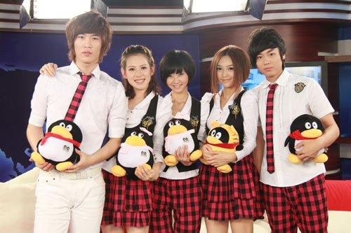 (左起)刘凤瑶、朱兰婷、党宁、王艾琪、张睿哲