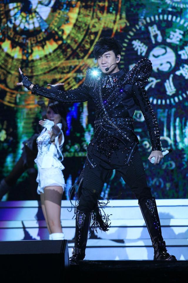 林俊杰成都演唱会8日开抢 最终场低价回馈乐迷