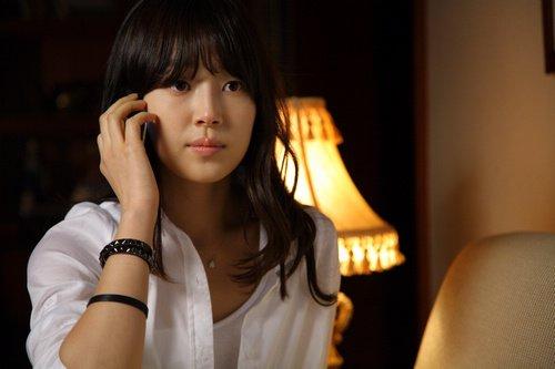 对剧中的另一美女吴亚馨
