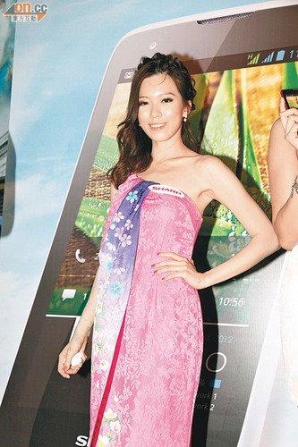 黄日华评乖女演技达90分 赞女儿有演戏天赋