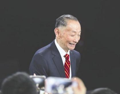 82岁京剧大师梅葆玖目前仍无知觉 神志尚未清醒