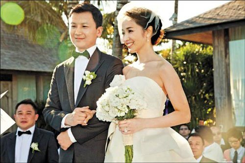 侯佩岑巴厘岛浪漫完婚 感动落泪大喊:I Do(图)