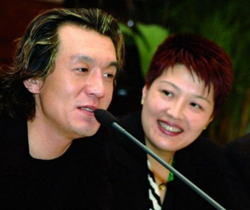 央视总编室确认哈文任春晚导演 或与李咏夫妻配