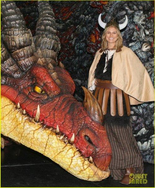 克龙弗兰德犬-n Your Dragon Live Spectacular》舞台剧宣传活动.超模海蒂·克拉姆高清图片
