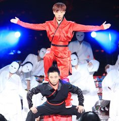 音凰舞帝跳中国式街舞