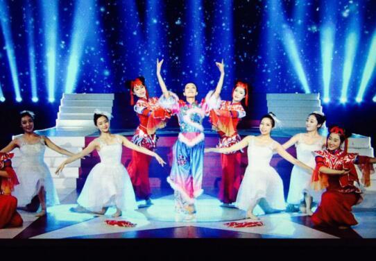 现场点评嘉宾舞蹈家黄豆豆老师更是对林玉的舞蹈十分肯定.图片
