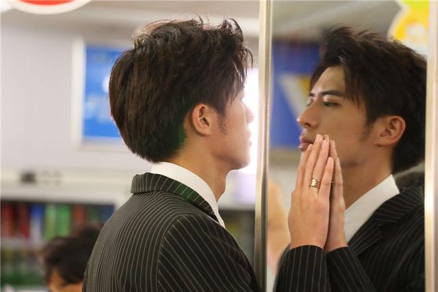 徐开骋变身出版人 新剧《无法拥抱的你》拍摄中