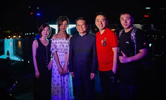 腾讯影业上海举办答谢酒会 将开发《庆余年》