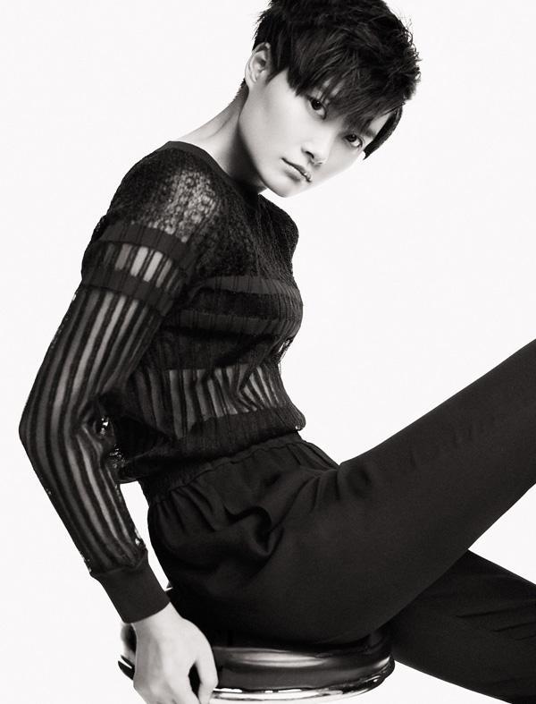 李宇春跨界首当设计师 限量定制赠十年歌迷