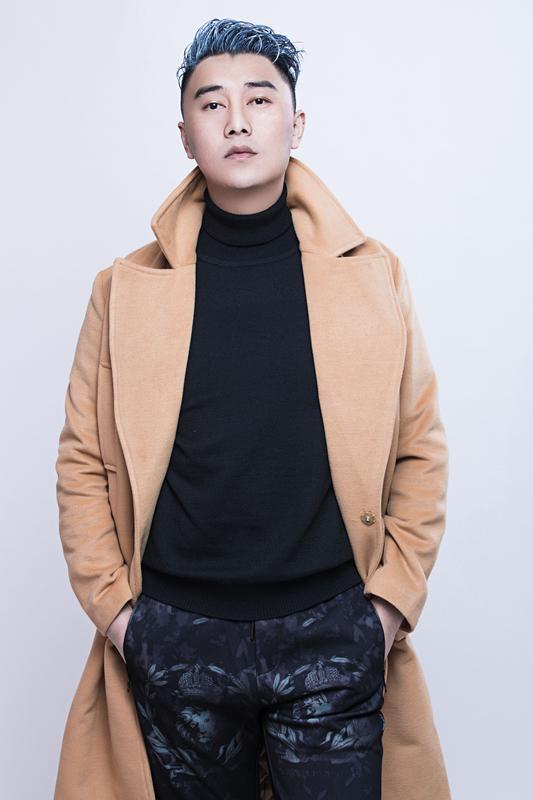 歌手莫日根开年巨献 单曲《江岸》全网发行
