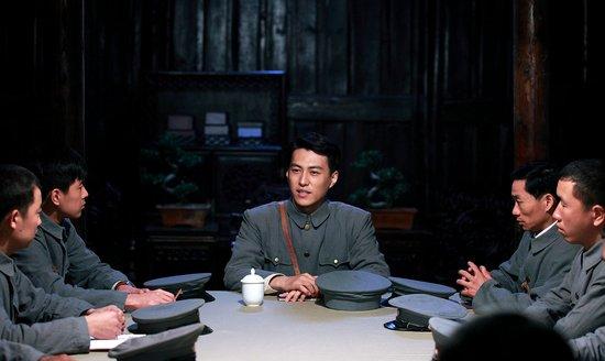 《开天辟地》靳东谈:走进周总理的精神世界
