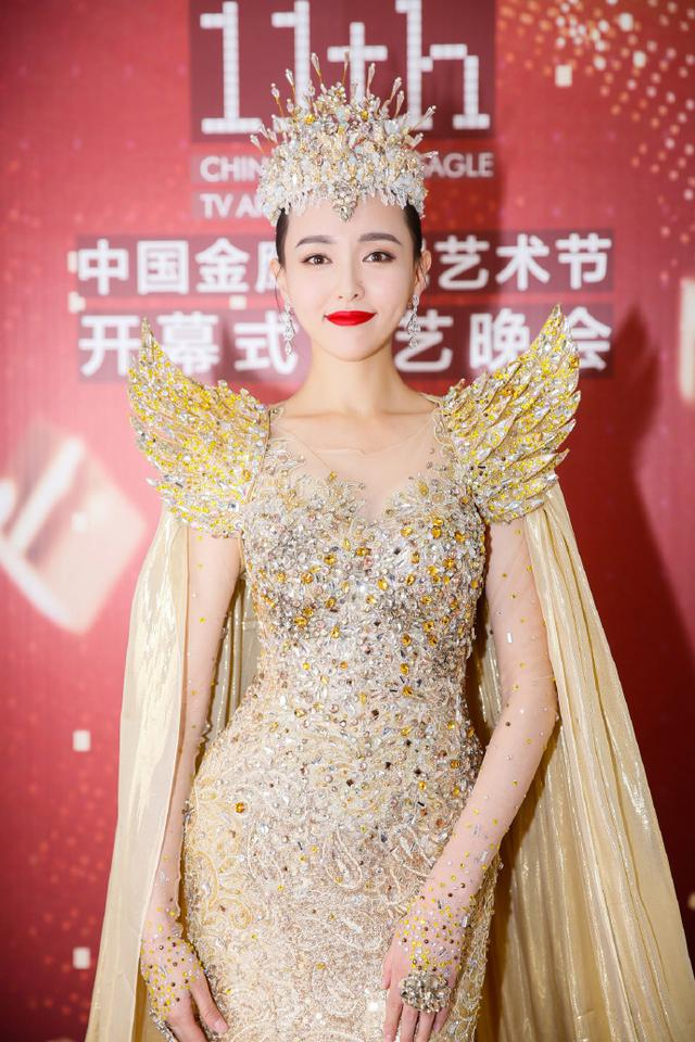 唐嫣成为金鹰女神很惊喜:早一两天就知道啦!