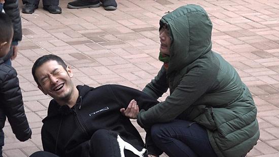 《旋风》黄晓明被砸要害 网友:半打孩子悬了!