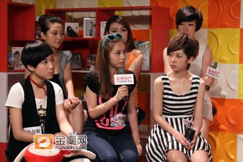 杭州唱区快女6强做客金鹰访谈 洪辰想和刘忻PK
