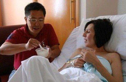 李阳方否认重婚 律师称按美国法律登记结婚有效