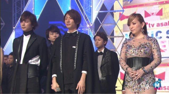 滨崎步二婚后首登电视荧幕 透视迷你裙吸睛