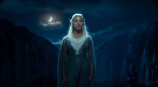 《霍比特人》公映首日票房夺冠 视效梦幻口碑好