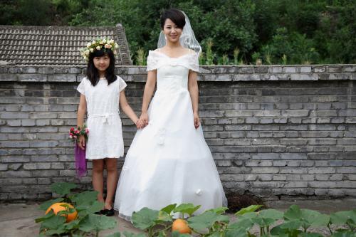 《老爸回家》杨紫婚纱照 网友感叹:时间去哪了