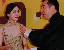 高清:港媒曝黄秋生假戏真做 搭边境女星周楚楚