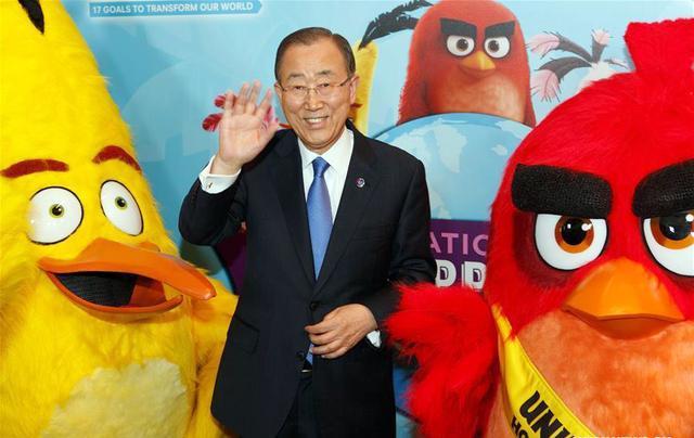 联合国潘基文和《愤怒的小鸟》玩到了一起?