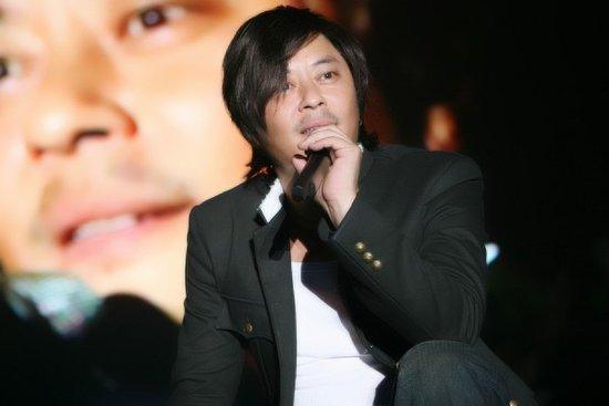 2010巡回演唱会王杰王者归来 新加坡站全场爆棚
