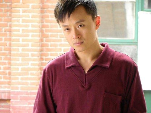 吴健不甘做偶像小生 实力挑战《大丽家的往事》