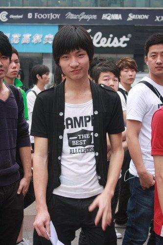 快乐男声潮爆广州 选手外形抢眼个性张扬