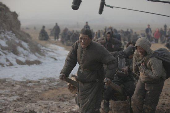 《一九四二》发布纪录片 主演集体挑战河南话