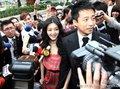 黑人范玮琪婚礼 大S携夫汪小菲到场遭媒体追堵