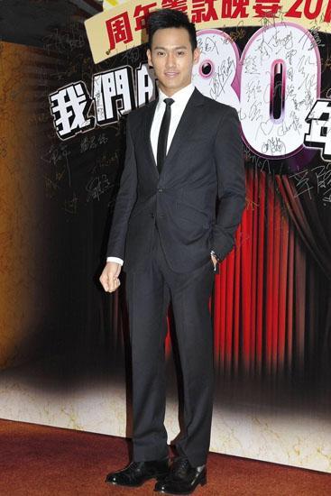 香港演艺人协会举办慈善晚宴 黄恺杰向前辈致敬