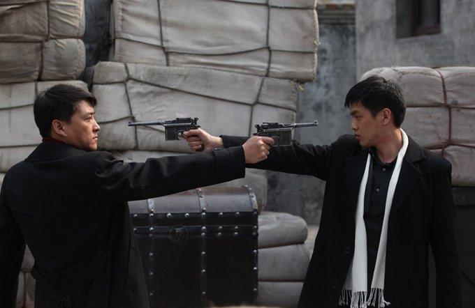 张若昀出道时期的作品都是像《黑狐》这样的抗日剧