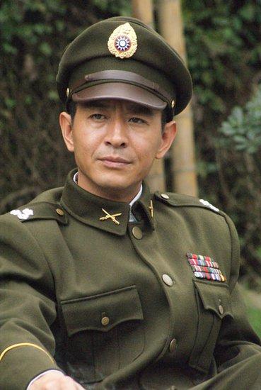 郭晓峰热拍《黎明追剿》 被错认为弟弟郭晓冬