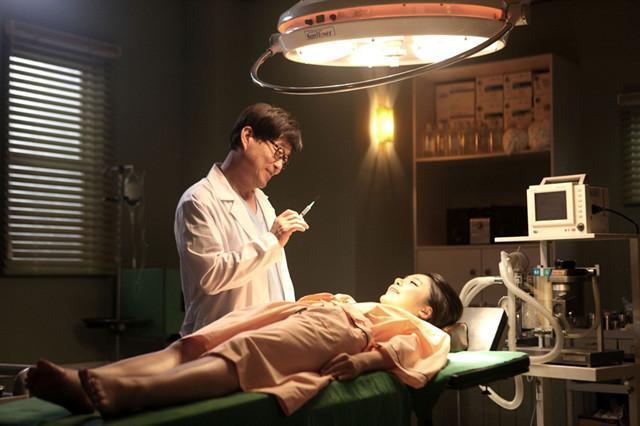 【午夜放映】医生: 整容医生变成嗜血狂魔