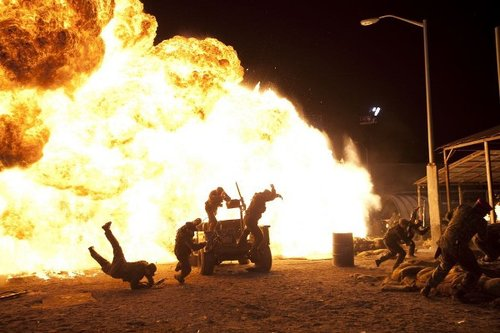 《敢死队》压轴暑期档 片方预期内地票房过两亿