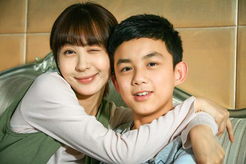 李菲儿与吴磊-远爱 卫视首播 李菲儿 嫩妈 带娃压力山大