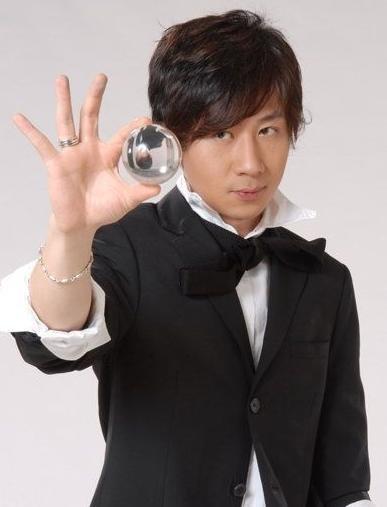 央视春晚弃用刘谦魔术换人 总导演揭秘幕后原因