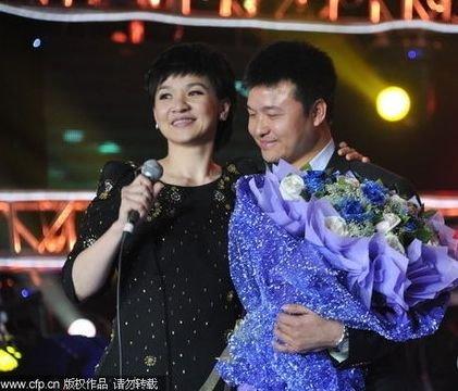 柯以敏做客《音乐现场》 爆曾经的北京爱情故事