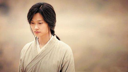 李宇春电影长发造型公开 称将去探望黄晓明图片