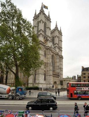 伦敦29日天气预报 威廉婚后世纪之吻可能遭暴雨