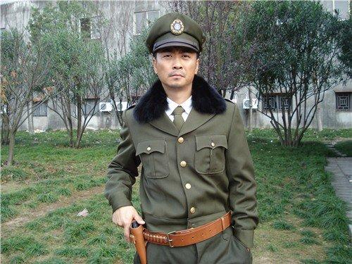 黄俊鹏加以盟谍战剧《螳螂》 造型豪气逼人