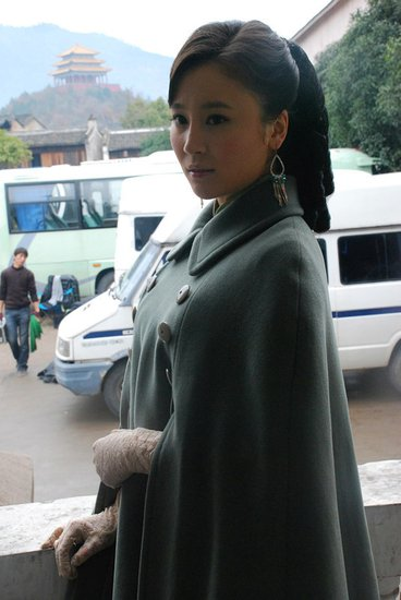 抗战题材悬疑剧《大水井》杀青 袁菲挑战反派
