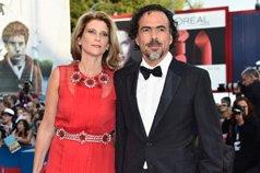 《鸟人》导演冈萨雷斯・伊纳里图携妻现身红毯