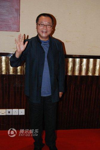 王珞丹范伟分获人气王 《人间正道》成大赢家