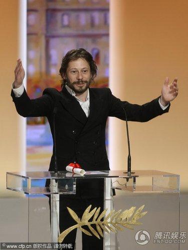 戛纳电影节闭幕 马修·阿马立克获最佳导演奖