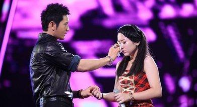 黄晓明节目现场质问陆敏雪是否说谎,她当初泪崩