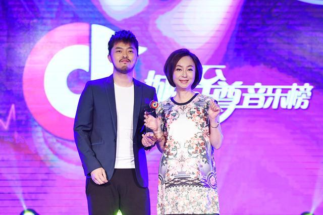 A-Lin荣获城市至尊音乐榜年度至尊女歌手及20大金曲金曲 金贵晟夺新人王