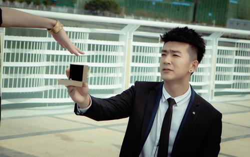 李岷城为戏狂健身 《结婚为什么》真爱成谜