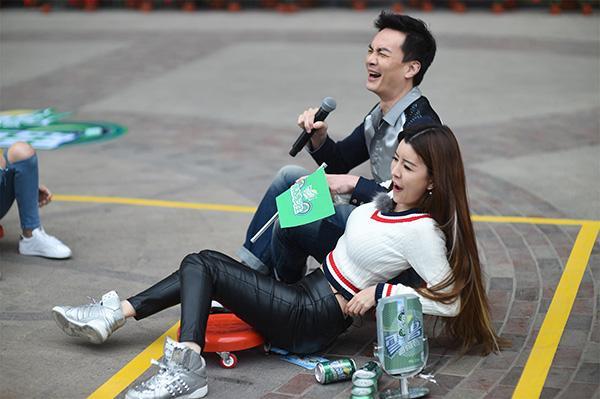 孟佳疑不满赛果退出节目 By2出战神臀坐爆雪碧